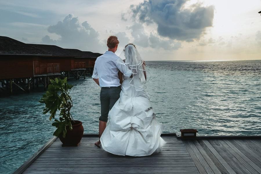 Malediven Destination Wedding - Brautpaar - Hochzeitsreportage - Hochzeitsfotograf Berlin Potsdam Brandenburg