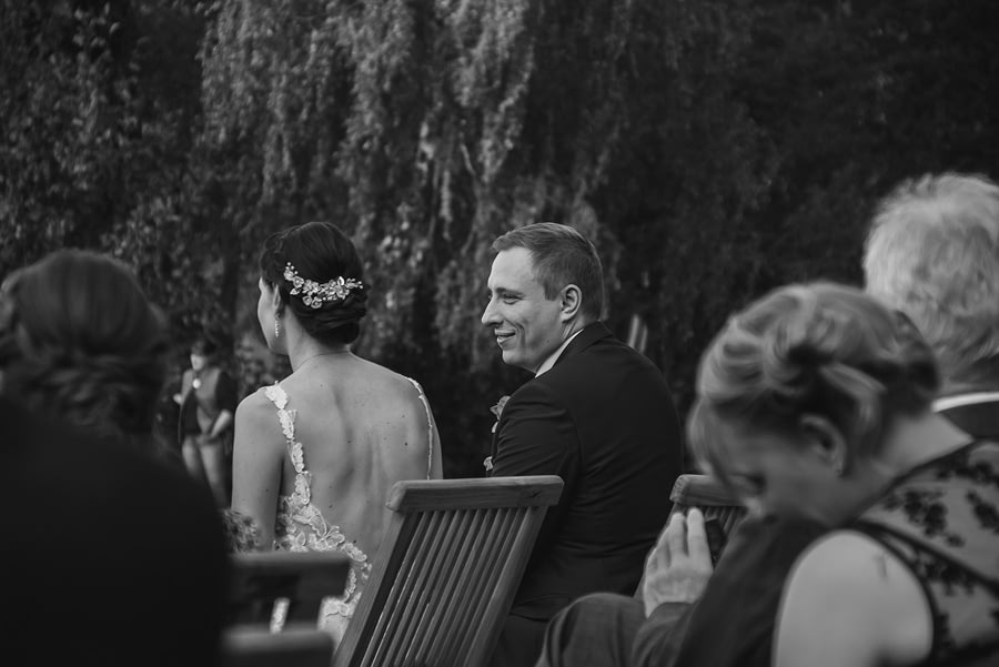 Bräutigam - Bad Saarow - Freie trauung - Hochzeitsreportage - Hochzeitsfotograf Berlin Potsdam Brandenburg
