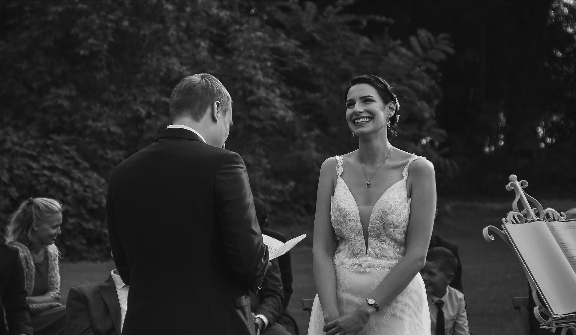 Hochzeitsfotograf Berlin Potsdam Brandenburg - Hochzeitsreportage - Freie Trauung - Bad Saarow - Freilich am See