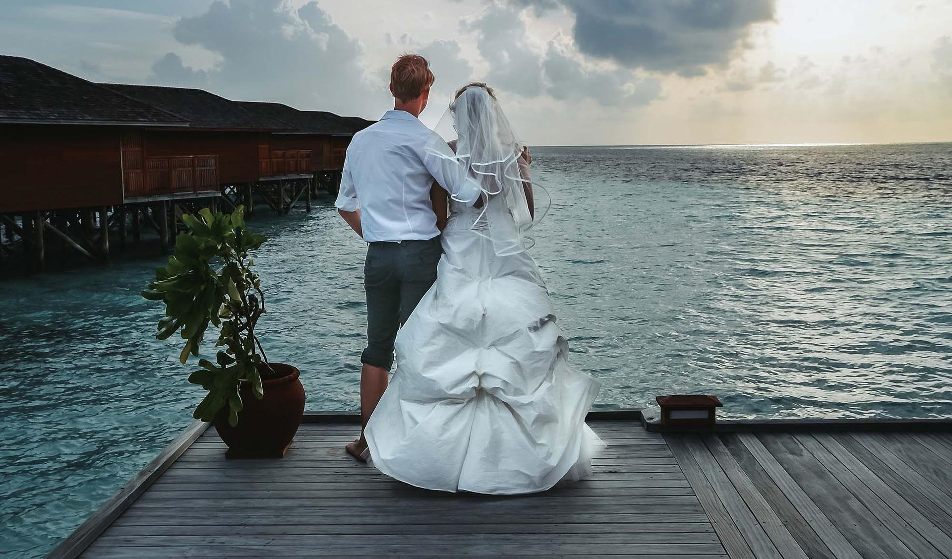 Hochzeitsfotograf Berlin Potsdam Brandenburg - Hochzeitsreportage - Freie Trauung – Brautpaar – Malediven – Destination Wedding